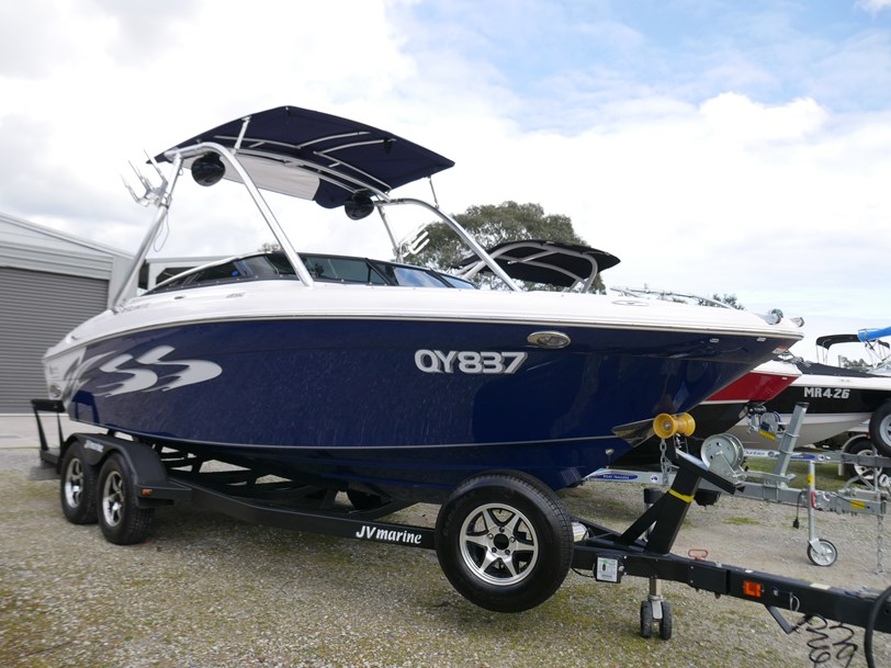 USED BOATS - FOUR WINNS H220SS